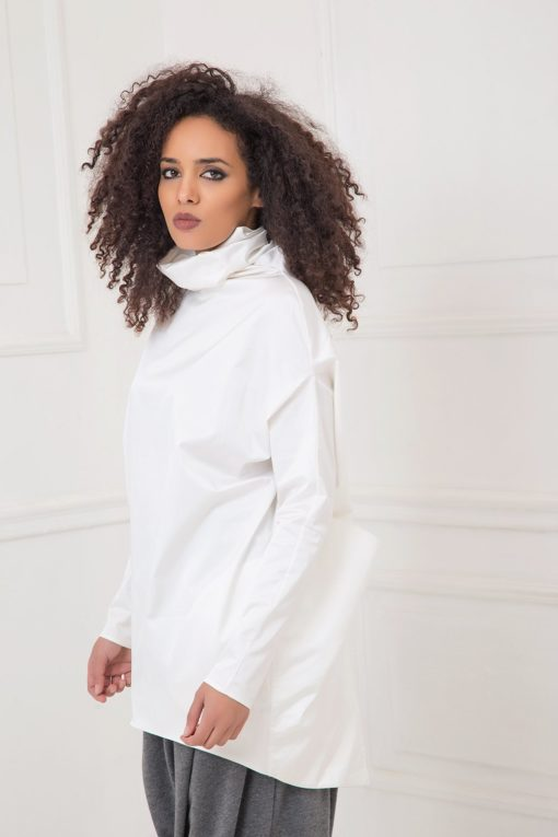 White Tunic, Satin Tunic, Plus Size Clothing, Turtleneck Tunic, Plus Size Tunic, Long Sleeve Tunic, Minimalist Tunic, Loose Top, White Top