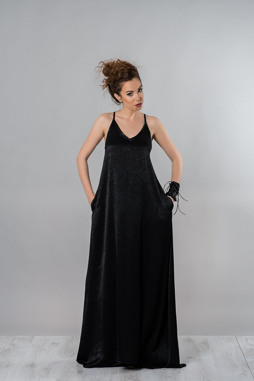 27285bb044d1b Maxi Dress With V-neck